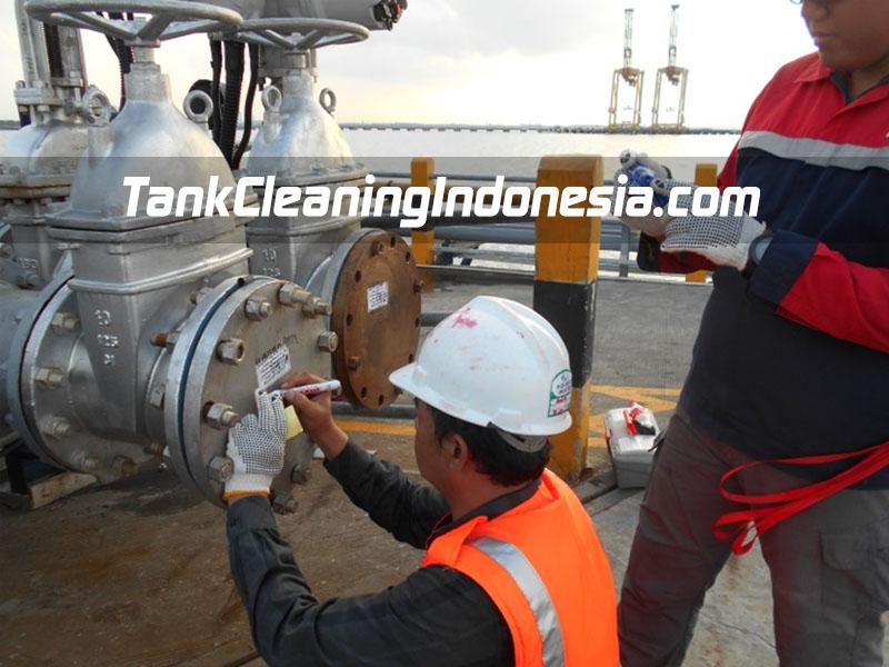 methanol tank cleaning